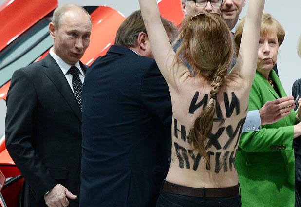 Resultado de imagen para vladimir putin Y FEMENISTAS