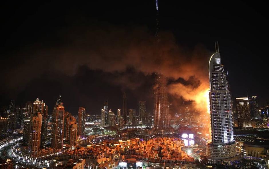 dubai incendio consume hotel cerca del edificio ms alto del mundo